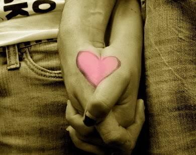 holding_hands_heart-1428